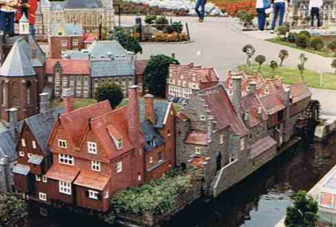 A Childs Delight - Madurodam Holland