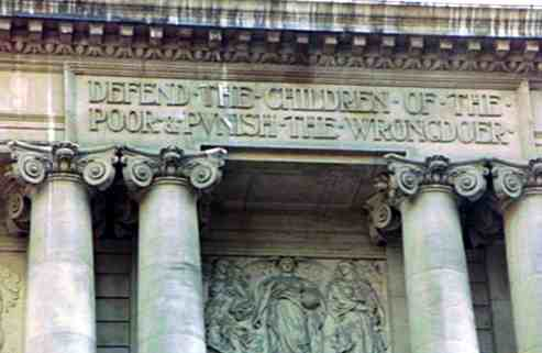 Inscribed at the Entrance of Londons Old Bailey