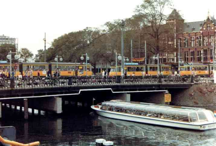 Cruising the Herengracht